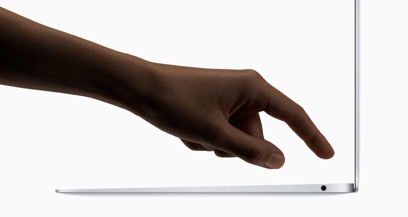 macbook air widok z boku